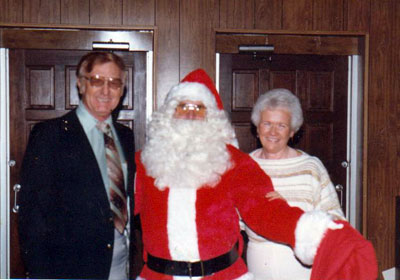 Bill Sr Virgie Santa Visit